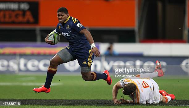 Waisake Naholo of the Highlanders on the attack during the Super Rugby Qualifying Final match between the Highlanders and the Chiefs at Forsyth Barr...