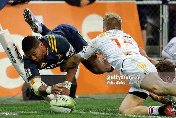 Waisake Naholo of the Highlanders scores a try during the round 17 Super Rugby match between the Highlanders and the Chiefs at Forsyth Barr Stadium...