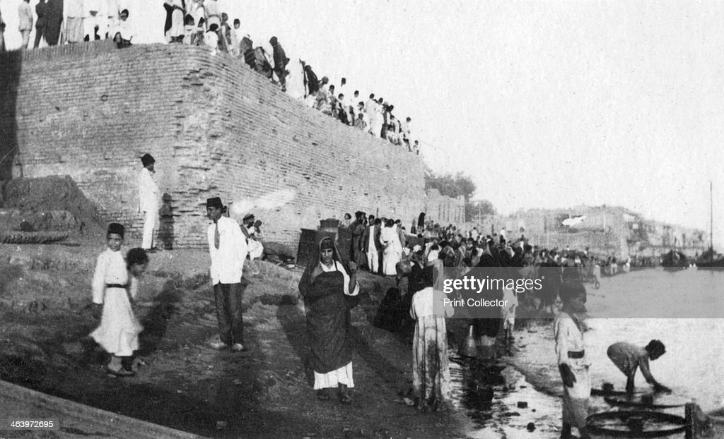 Waiting for the troop barges to arrive Tigris River Baghdad Iraq 19171919