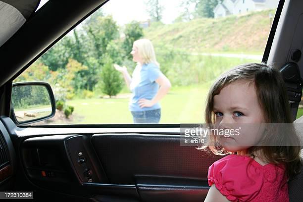 Esperando en Mom