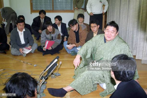 Wakanohana speaks during a press conference a day after winning the Grand Sumo Kyushu Tournament on November 27 1995 in Fukuoka Japan
