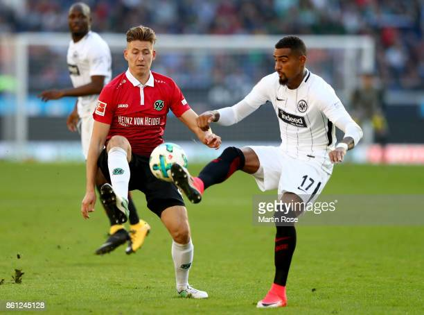 Waldemar Anton of Hannover and Kevin Boateng of Frankfurt battle for the ball during the Bundesliga match between Hannover 96 and Eintracht Frankfurt...