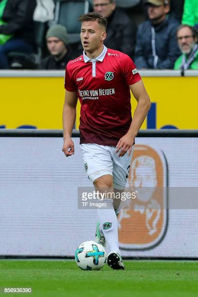 Waldemar Anton of Hannover controls the ball during the Bundesliga match between Borussia Moenchengladbach and Hannover 96 at BorussiaPark on...