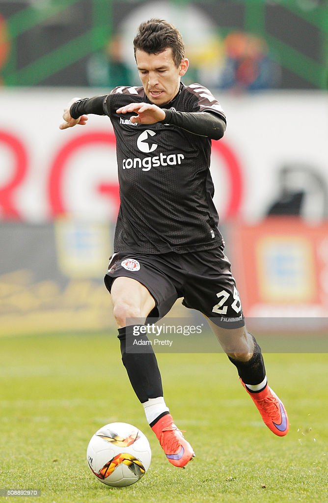 Waldemar Sobota of St Pauli in action during the 2. Bundesliga match between Greuther Fuerth and FC St. Pauli at Stadion am Laubenweg on February 7, 2016 in Fuerth, Germany.