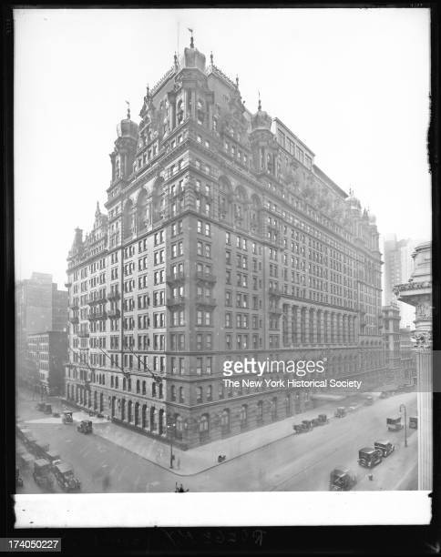 WaldorfAstoria Hotel Fifth Avenue from West 34th Street to West 33rd Street New York New York late 1910s or early 1920s