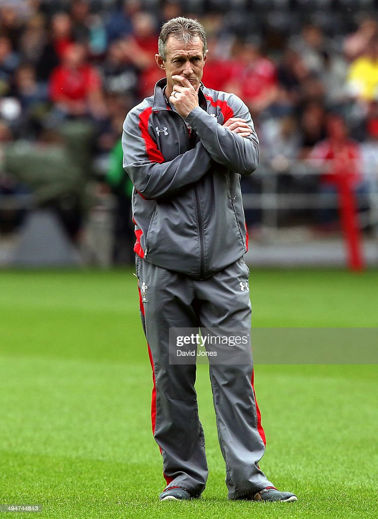 Wales backs coach <a gi-track='captionPersonalityLinkClicked' href=/galleries/search?phrase=Rob+Howley&family=editorial&specificpeople=215419 ng-click='$event.stopPropagation()'>Rob Howley</a> instructs the Probables during the Wales Senior Trial between Probables v Possibles at Liberty Stadium on May 30, 2014 in Swansea, Wales, United Kingdom.