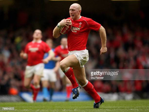 Wales' centre Tom Shanklin races through to score during the RBS 6 Nations game between Wales and Italy at Millennium Stadium on February 23 2008 in...