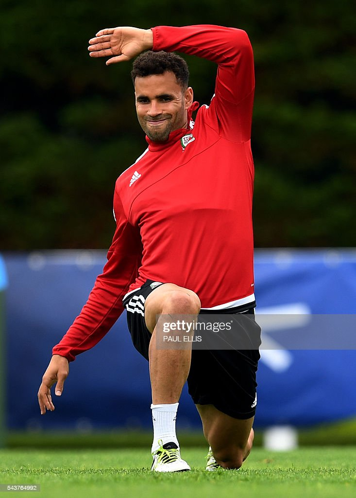 Wales' forward Hal Robson-Kanu takes part in a training session in Dinard, France on June 30, 2016 during the Euro 2016 football tournament. Wales take on Belgium in Lille on July 01. / AFP / PAUL
