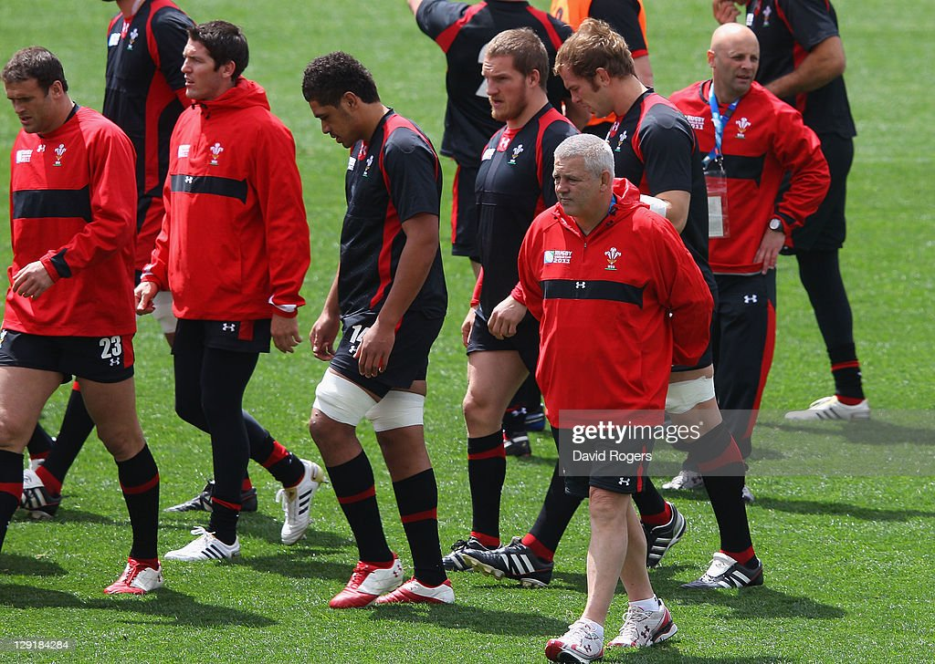 Wales head coach <a gi-track='captionPersonalityLinkClicked' href=/galleries/search?phrase=Warren+Gatland&family=editorial&specificpeople=686626 ng-click='$event.stopPropagation()'>Warren Gatland</a> looks on during a Wales IRB Rugby World Cup 2011 captain's run at Eden Park on October 14, 2011 in Auckland, New Zealand.