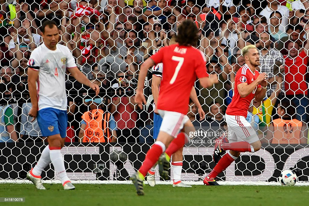 FBL-EURO-2016-MATCH27-RUS-WAL : News Photo