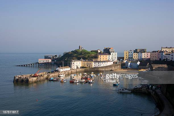 UK, Wales, Pembrokeshire, Tenby, the harbour in autumn sunshine