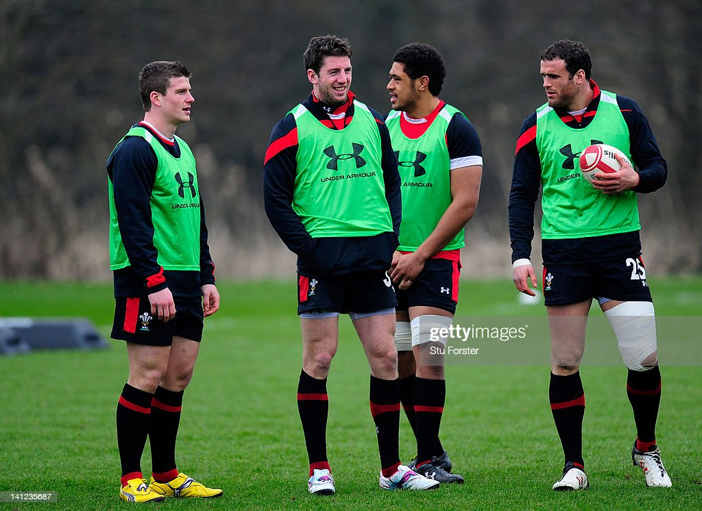 Wales player <a gi-track='captionPersonalityLinkClicked' href=/galleries/search?phrase=Alex+Cuthbert&family=editorial&specificpeople=6143846 ng-click='$event.stopPropagation()'>Alex Cuthbert</a> (c) shares a joke with team mates during Wales training at the Vale hotel ahead of this saturdays final RBS Six Nations game against France on March 13, 2012 in Cardiff, Wales.