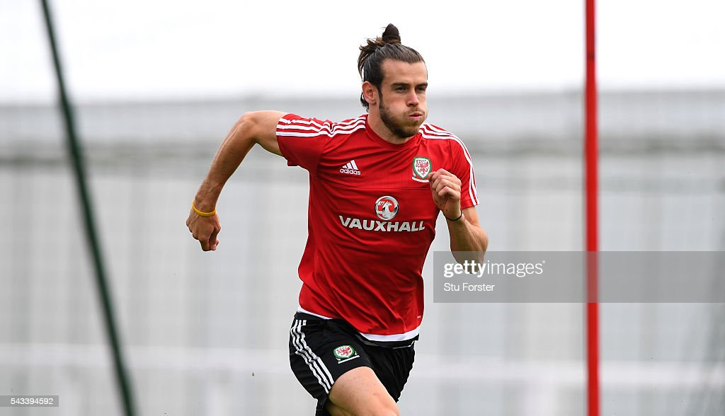 Wales player <a gi-track='captionPersonalityLinkClicked' href=/galleries/search?phrase=Gareth+Bale&family=editorial&specificpeople=609290 ng-click='$event.stopPropagation()'>Gareth Bale</a> in action during Wales training at their Euro 2016 base camp ahead of their Quarter Final match against Belguim, on June 28, 2016 in Dinard, France.