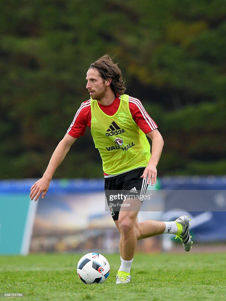 Wales player <a gi-track='captionPersonalityLinkClicked' href=/galleries/search?phrase=Joe+Allen+-+Welsh+Soccer+Player&family=editorial&specificpeople=9629091 ng-click='$event.stopPropagation()'>Joe Allen</a> in action during an open Euro 2016 Wales training session at the Wales training base on June 8, 2016 in Dinard, France.