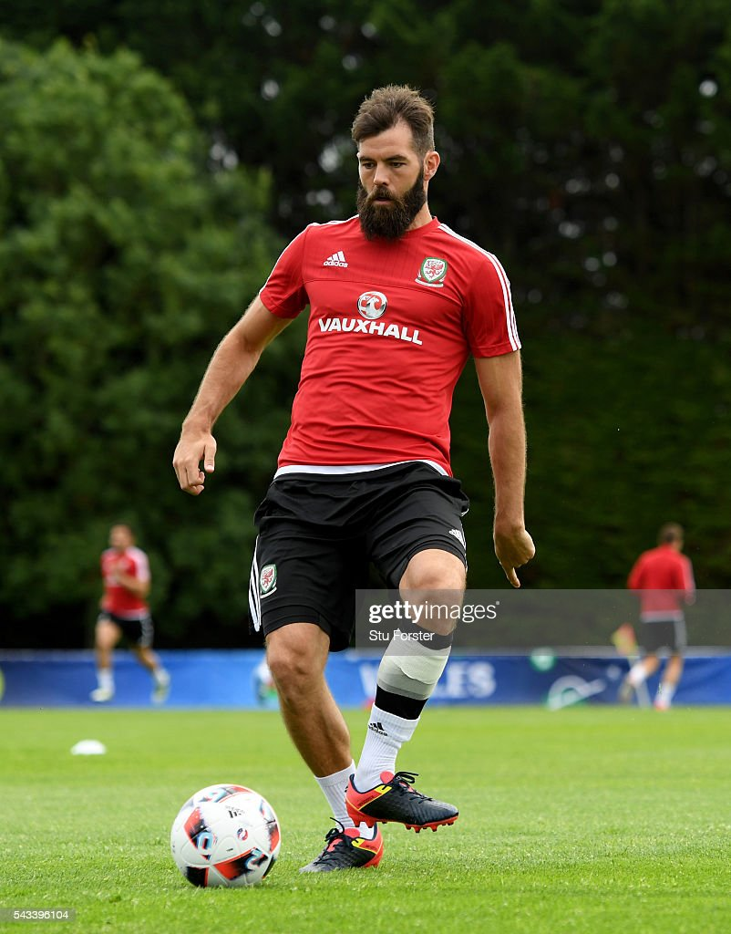 Wales player <a gi-track='captionPersonalityLinkClicked' href=/galleries/search?phrase=Joe+Ledley&family=editorial&specificpeople=687410 ng-click='$event.stopPropagation()'>Joe Ledley</a> in action during Wales training at their Euro 2016 base camp ahead of their Quarter Final match against Belguim, on June 28, 2016 in Dinard, France.