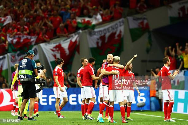 Wales players celebrate their team's 30 win in the UEFA EURO 2016 Group B match between Russia and Wales at Stadium Municipal on June 20 2016 in...
