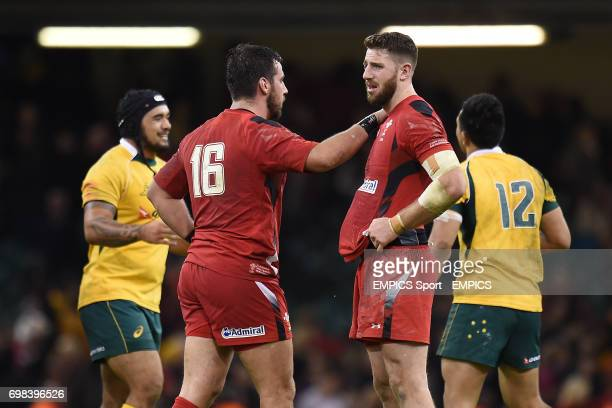 Wales' Scott Baldwin and Alex Cuthbert stand dejected at fulltime