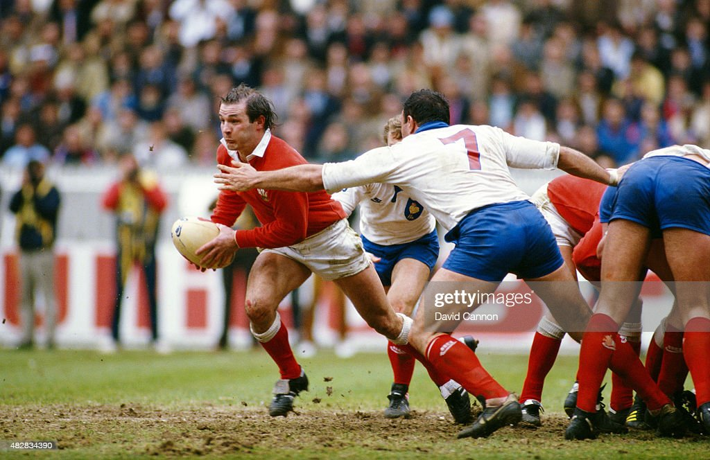 Wales scrum half and captain Terry Holmes in action during the Five nations match between France and Wales at Parc de Princes on March 30 1985 in...