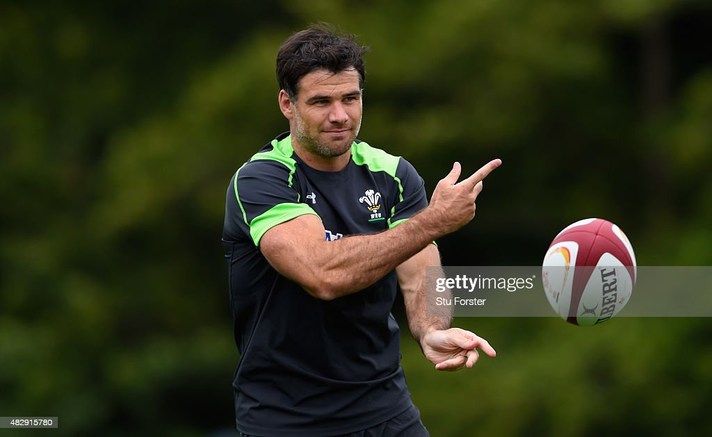 Wales scrum half <a gi-track='captionPersonalityLinkClicked' href=/galleries/search?phrase=Mike+Phillips+-+Rugby+Player&family=editorial&specificpeople=4527917 ng-click='$event.stopPropagation()'>Mike Phillips</a> in action during Wales training ahead of saturdays World cup warm up match against Ireland at the Vale Hotel on August 4, 2015 in Cardiff, Wales.