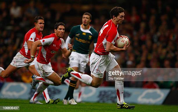 Wales winger George North races through to score during the International match between Wales and South Africa at Millennium Stadium on November 13...