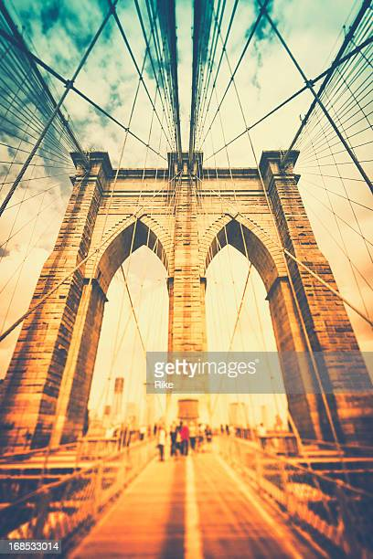 Walk across Brooklyn Bridge / New York City