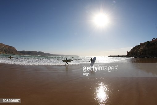 Walking surfer : Foto de stock