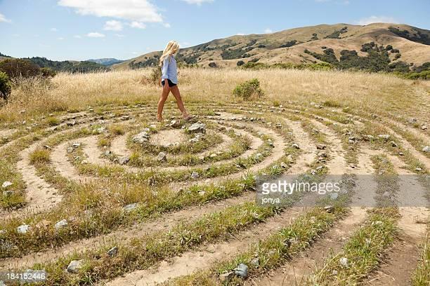 Zu Fuß durch ein labyrinth