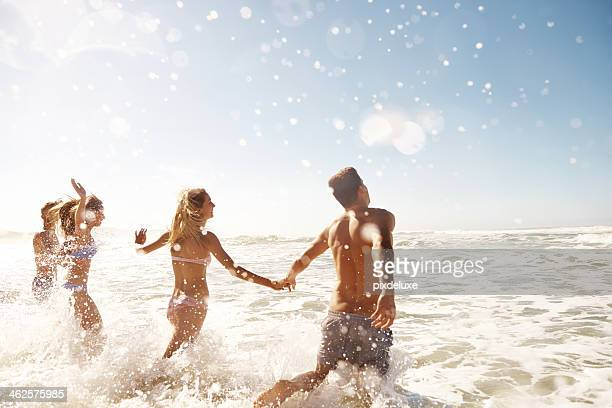 Marcher dans les vagues