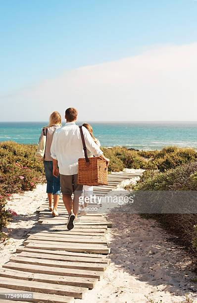 Zu Fuß in Richtung sand und Meer