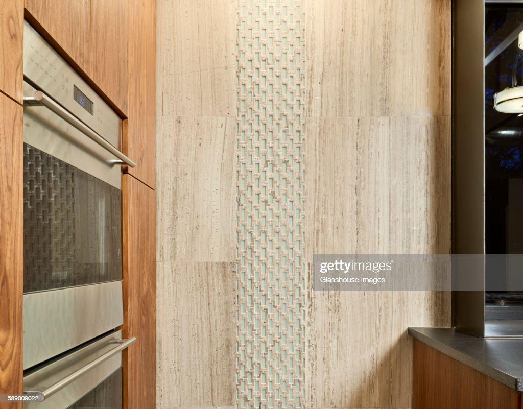 Wall Detail in Modern Kitchen