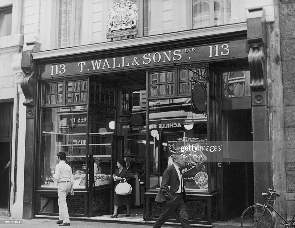 T. Wall & Sons Ltd, a well-known butcher's shop at 113 Jermyn Street, London, 26th May 1970.