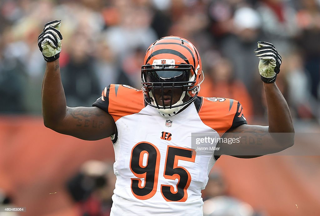 Wallace Gilberry of the Cincinnati Bengals celebrates after sacking Johnny Manziel of the Cleveland Browns during the first quarter at FirstEnergy...
