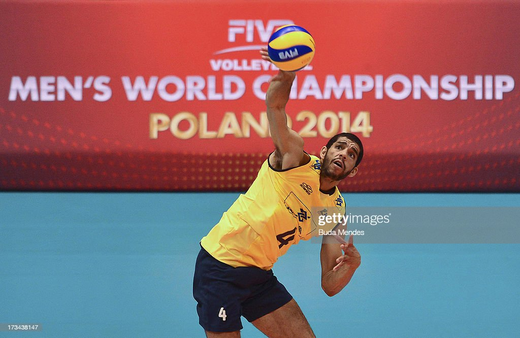 Wallace of Brazil in action against USA during a match between Brazil and USA as part of the FIVB Volleyball World League 2013 at the Maracanazinho gymnasium on July 14, 2013 in Rio de Janeiro, Brazil.