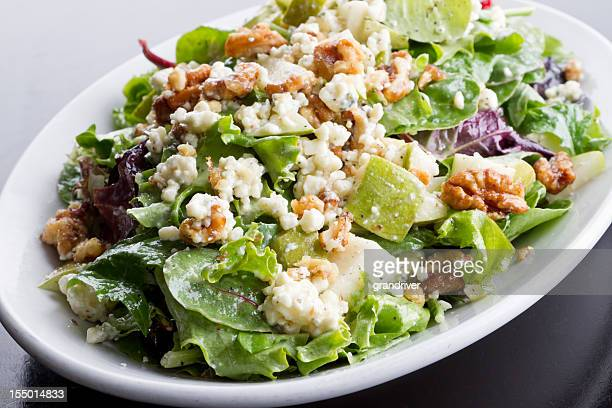 Walnut, Cheese and Apple Green Salad