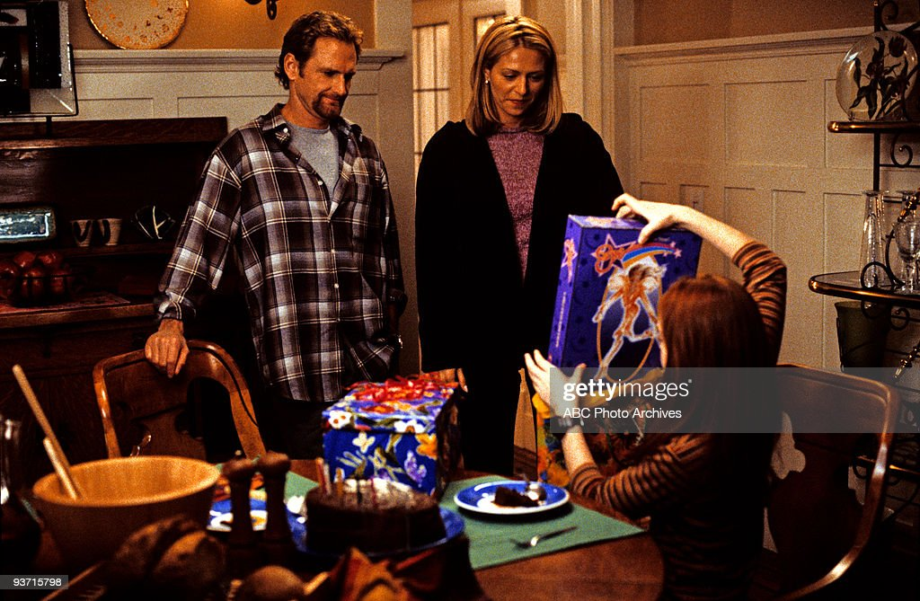 TV 'LifeSize' 3/5/00 Widower Ben Stuart's daughter Casey accidentally brings her Eve doll to life as the Perfect Woman while trying to cast a spell...