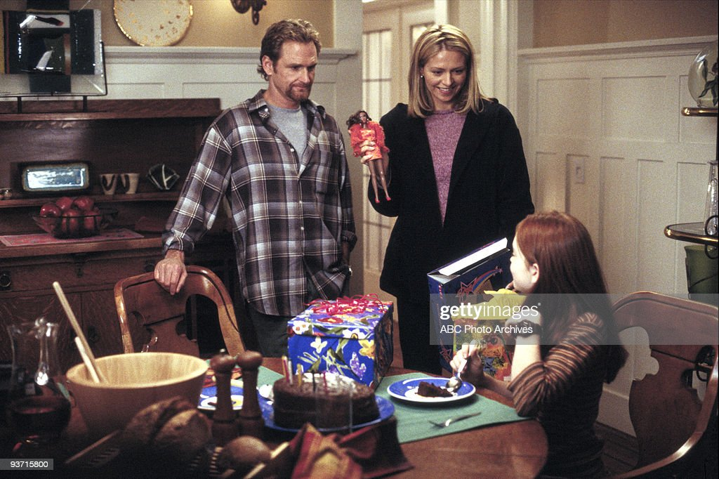 TV 'LifeSize' 3/5/00 Widower Ben Stuart's daughter Casey accidentally brings her Eve doll to life while trying to cast a spell to resurrect her...