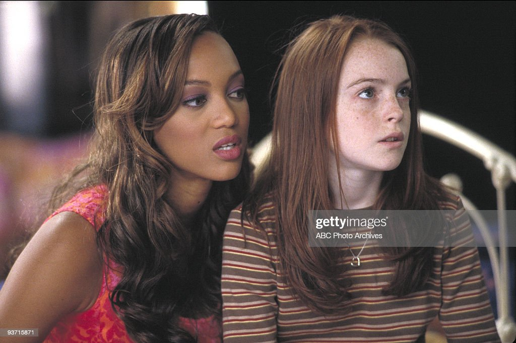 TV 'LifeSize' 3/5/00 Casey Stuart accidentally brings her Eve doll to life as the Perfect Woman while trying to cast a spell to resurrect her mother