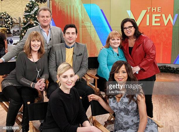 News' Lara Spencer guest cohosts Hugh Bonneville Laura Carmichael Phyllis Logan Lesley Nicol and Rob JamesCollier appeared today Monday December 8...