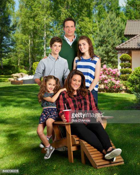 HOUSEWIFE ABC's 'American Housewife' stars Julia Butters as AnnaKat Otto Daniel DiMaggio as Oliver Otto Katy Mixon as Katie Otto Diedrich Bader as...