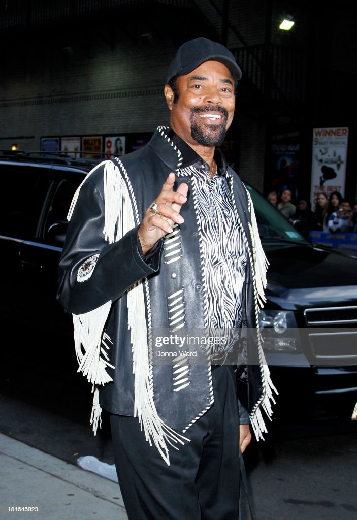 <a gi-track='captionPersonalityLinkClicked' href=/galleries/search?phrase=Walt+Frazier&family=editorial&specificpeople=211195 ng-click='$event.stopPropagation()'>Walt Frazier</a> leaves the 'Late Show with David Lettterman' at Ed Sullivan Theater on October 14, 2013 in New York City.