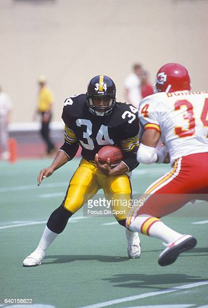 Walter Abercrombie of the Pittsburgh Steelers carries the ball against the Kansas City Chiefs during an NFL football game September 2 1984 at Three...