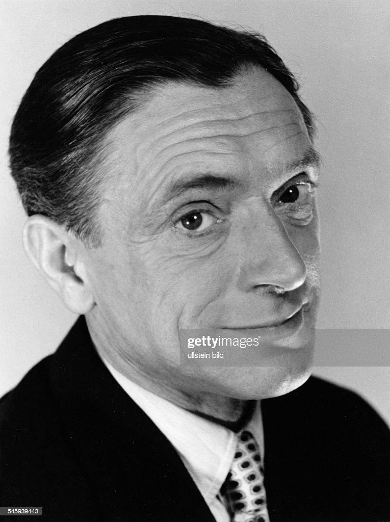 <b>Walter Bluhm</b>*-+Schauspieler, DPortraet- 1957 - walter-bluhm05081976schauspieler-dportraet-1957-picture-id545939443
