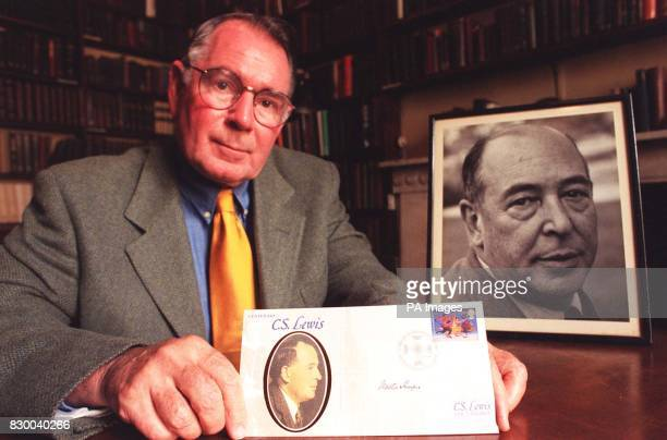 Walter Hooper former secretary to CS Lewis signs a special edition of the Benham first day cover commisioned by the CS Lewis Foundation The set of...
