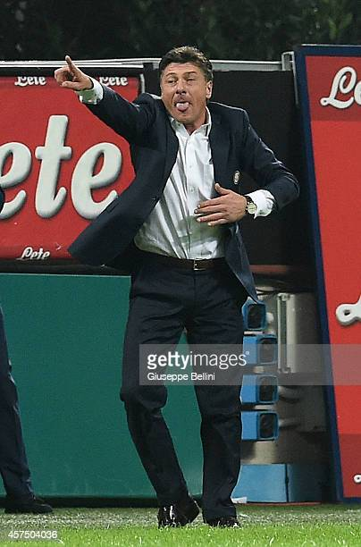 Walter Mazzarri head coach of FC Internazionale Milano during the Serie A match between FC Internazionale Milano and SSC Napoli at Stadio Giuseppe...