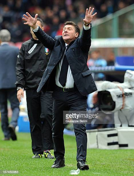 Walter Mazzarri head coach of Napoli during the Serie A match between SSC Napoli and Pescara Calcio at Stadio San Paolo on December 2 2012 in Naples...