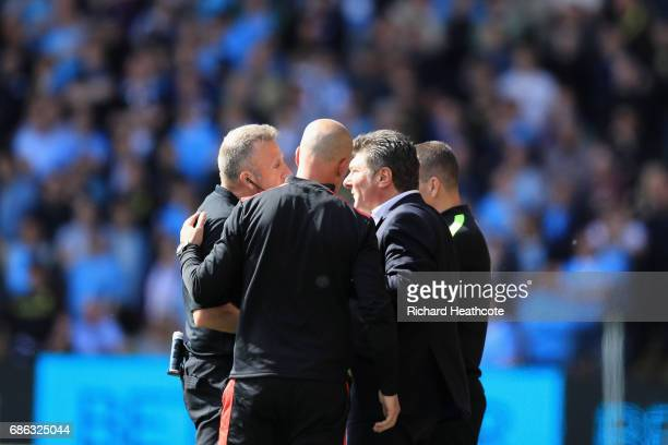 Walter Mazzarri Manager of Watford aproaches the referee during the Premier League match between Watford and Manchester City at Vicarage Road on May...