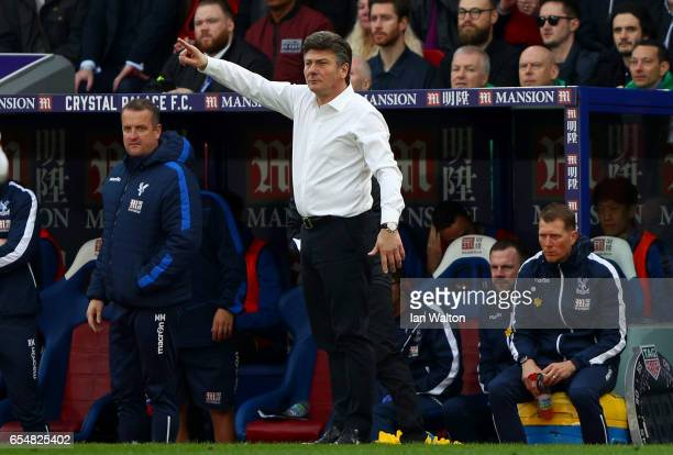 Walter Mazzarri Manager of Watford gives his team instructions during the Premier League match between Crystal Palace and Watford at Selhurst Park on...