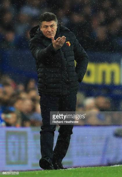 Walter Mazzarri Manager of Watford gives his team instructions during the Premier League match between Everton and Watford at Goodison Park on May 12...