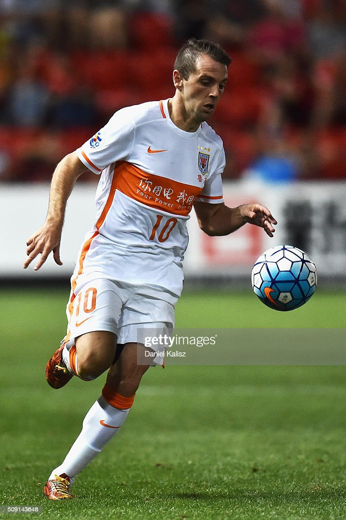 <a gi-track='captionPersonalityLinkClicked' href=/galleries/search?phrase=Walter+Montillo&family=editorial&specificpeople=2477543 ng-click='$event.stopPropagation()'>Walter Montillo</a> of Shandong Luneng controls the ball during the AFC Champions League playoff match between Adelaide United and Shandong Luneng at Coopers Stadium on February 9, 2016 in Adelaide, Australia.