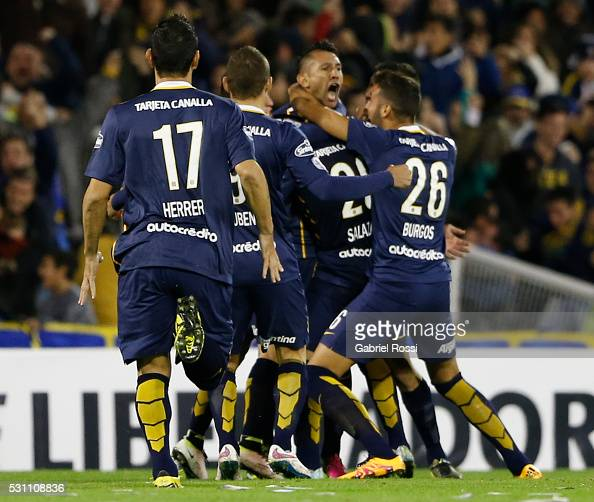 Walter Montoya of Rosario Central celebrates after scoring the first goal of his team during a first leg match between Rosario Central and Atletico...